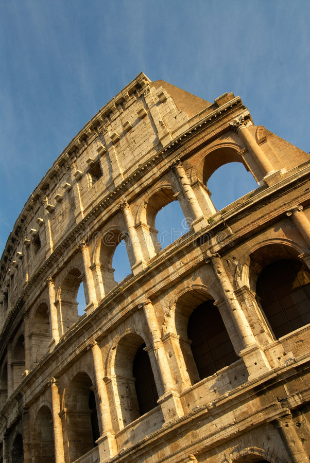 вертикаль colosseum стоковое фото rf