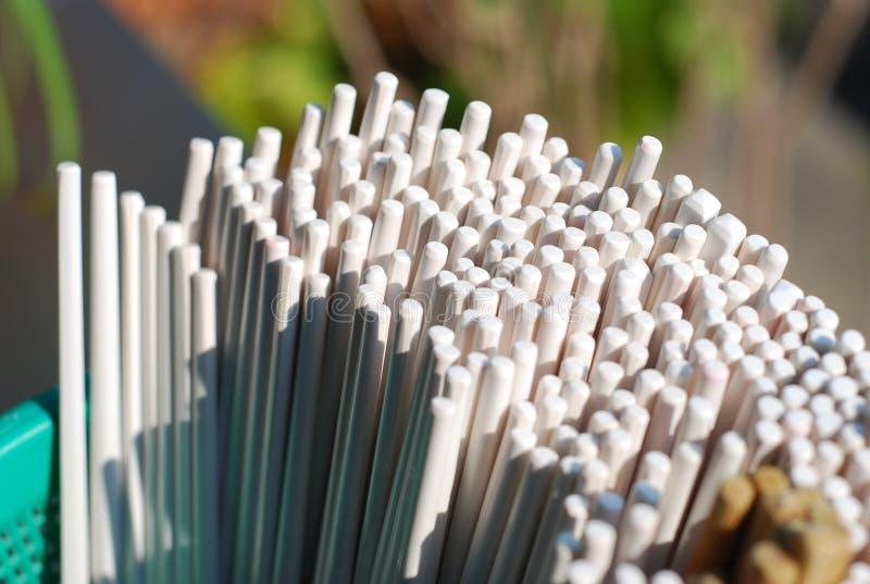Верхне много пластичных палочек стоковое фото rf