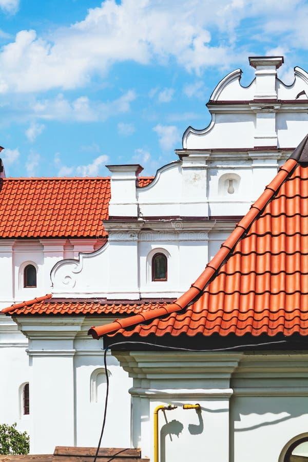 Верхние этажи и крыша старого поместья стоковая фотография rf