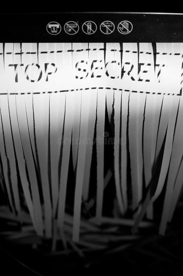 верхняя часть документа shredded секретом стоковое изображение