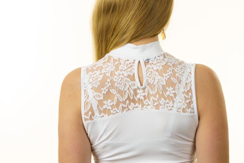 Верхняя часть женщины нося белая стоковые изображения rf