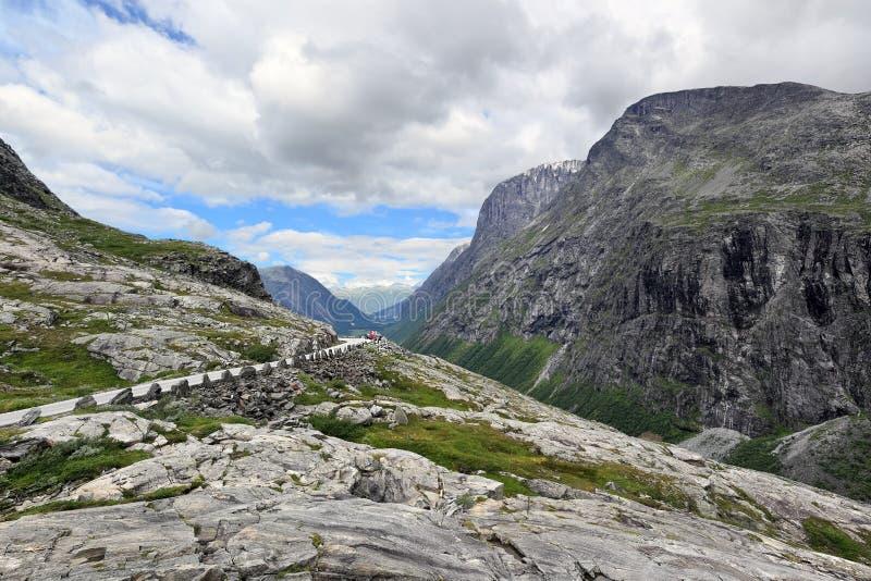Верхняя часть дороги Trollstigen (Норвегия) стоковые фотографии rf