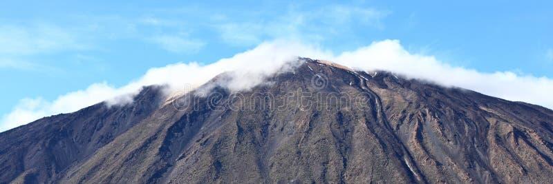 верхняя часть панорамы горы стоковые фотографии rf