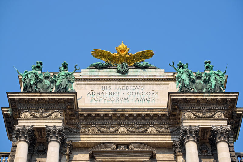 Верхняя часть Burg Neue в вене стоковое фото rf