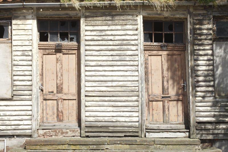 дверь старая стоковые изображения rf