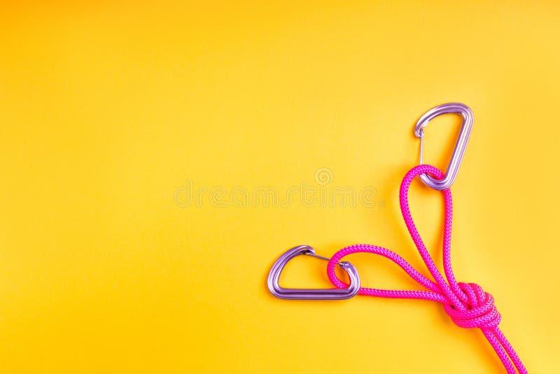 Верёвка и узел на заднем плане n стоковые изображения rf