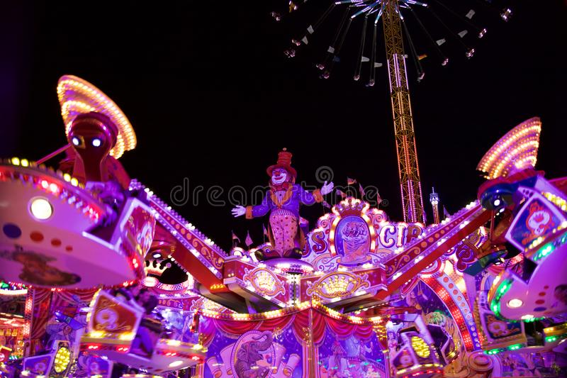 Весел-Идти-круглый клоун стоковое фото