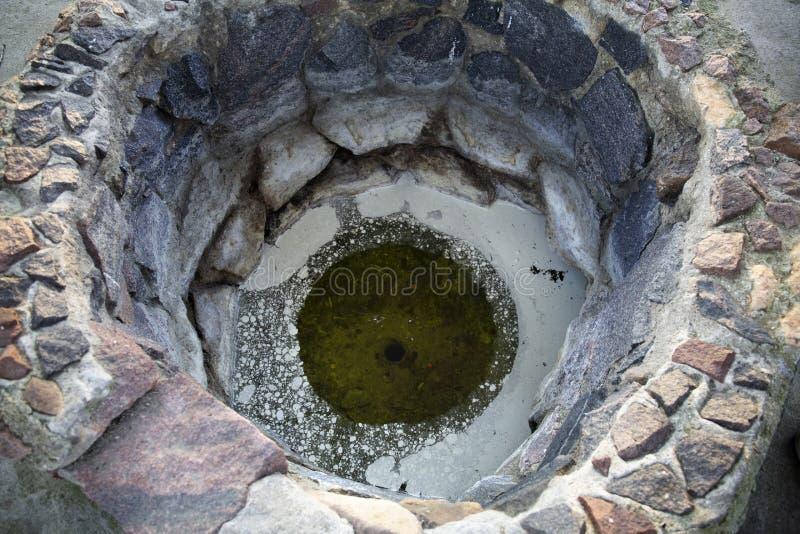 Весна минеральной воды серы в латышском курорте Kemeri стоковые фото