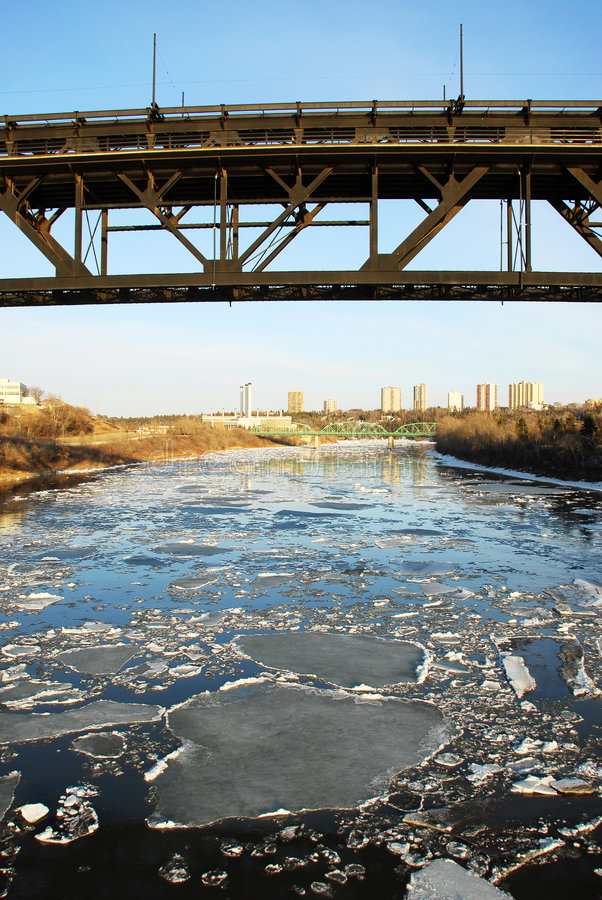 весна реки edmonton стоковые изображения rf