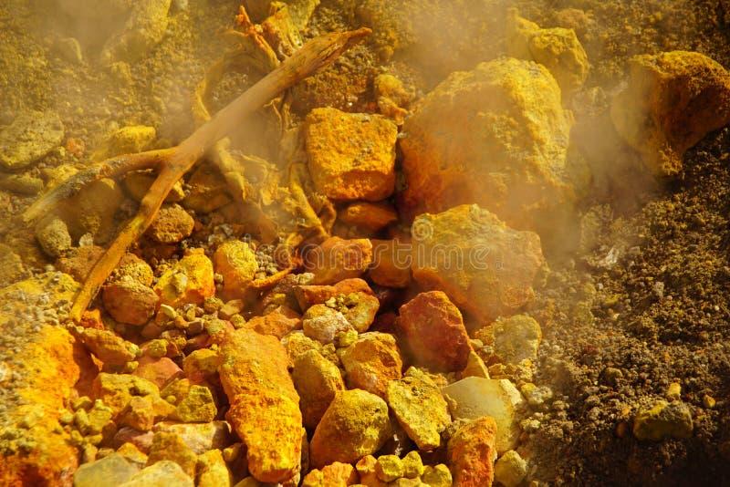Весна серы около solfatara стоковые фото