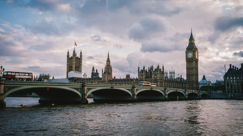 Вестминстер и Bigben стоковое фото rf