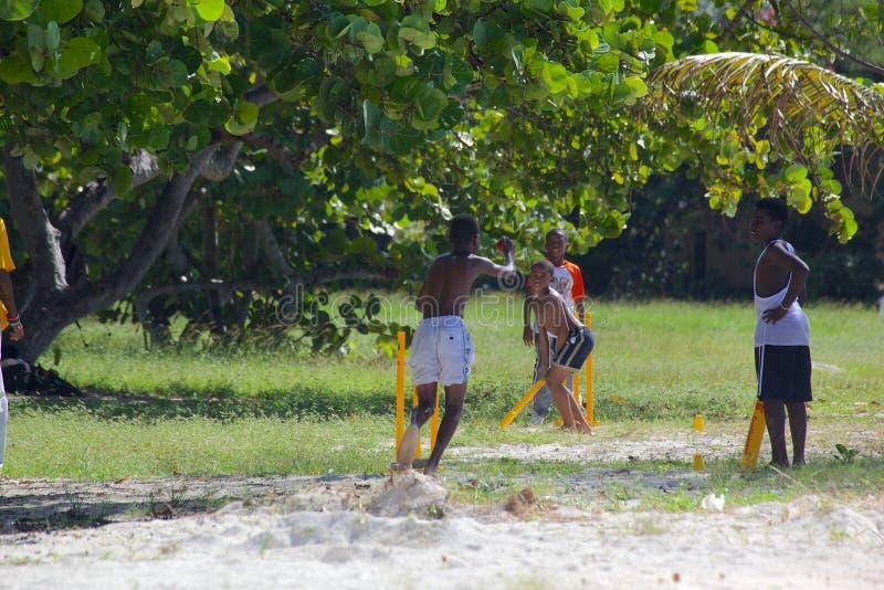 девушки на пляже пор фото