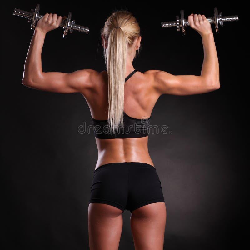 весы руки женщины пригонки поднимаясь стоковые фотографии rf