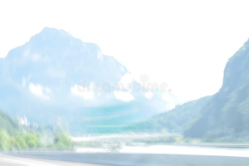 Весьма defocused и неясное изображение дороги в сельской местности стоковая фотография
