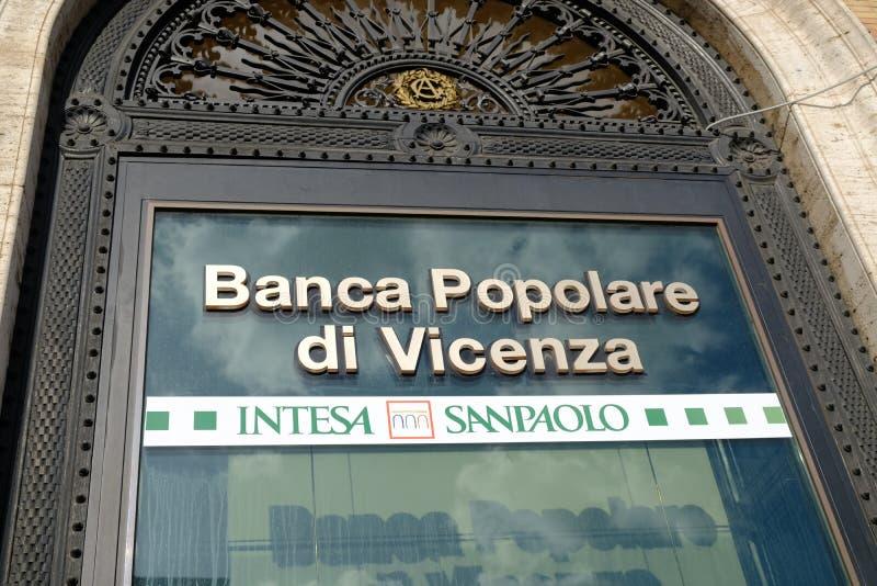 Ветвь Виченца di Banca Popolare в Риме, Италии стоковая фотография rf