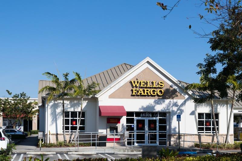 Ветвь в Джексонвилле, Флорида Wells Fargo Bank Wells Fargo & компания были основаны в 1929 и в настоящее время имеют отделение ба стоковое изображение rf