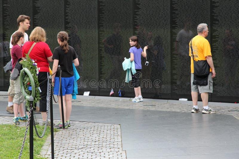 Download Ветераны Вьетнама мемориальные Редакционное Фото - изображение насчитывающей посещение, национально: 41654476