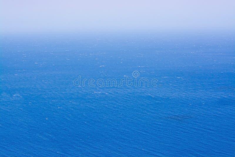 Ветреный океан Foradada стоковая фотография rf