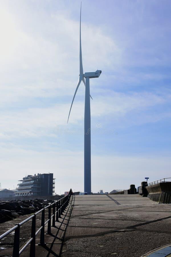 Ветротурбина, пункт мыса, Lowestoft, суффольк, Великобритания стоковые изображения