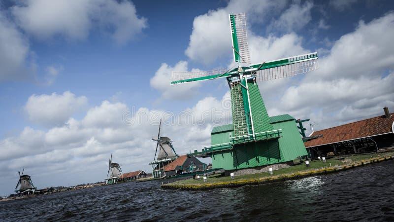 Ветрянка около Амстердама стоковое изображение rf