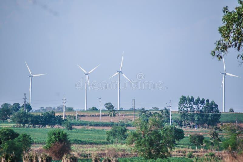 Ветрянки для электрического производства энергии способного к возрождению стоковая фотография rf