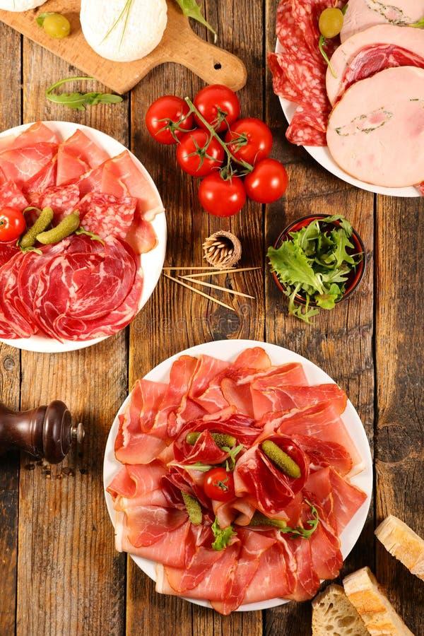 Ветчина, салями, сосиска с сыром стоковая фотография