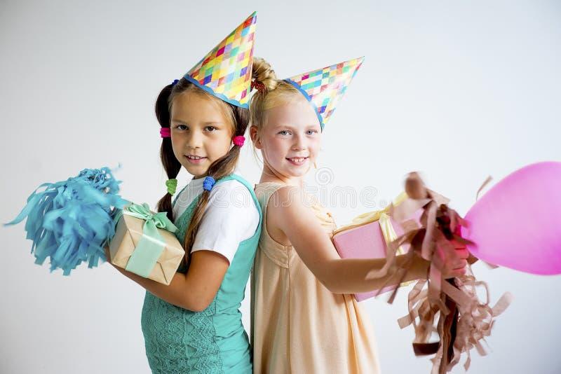 Вечеринка по случаю дня рождения подростка стоковые фото