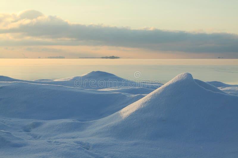 Вечер зимы на море стоковые изображения rf