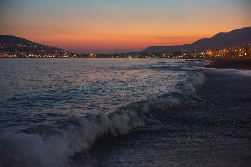 Вечер на побережье Alanya стоковые фотографии rf