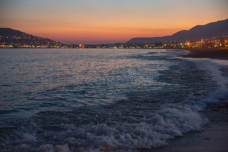 Вечер на побережье Alanya стоковая фотография rf