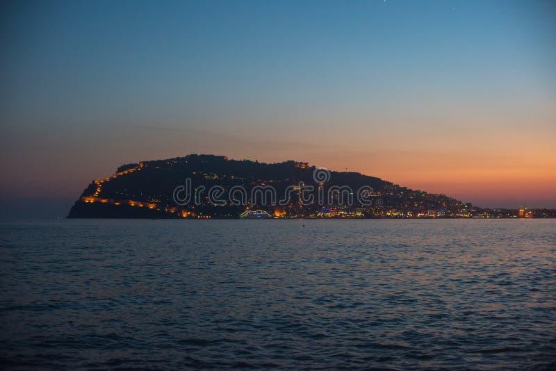Вечер на побережье Alanya стоковые изображения rf
