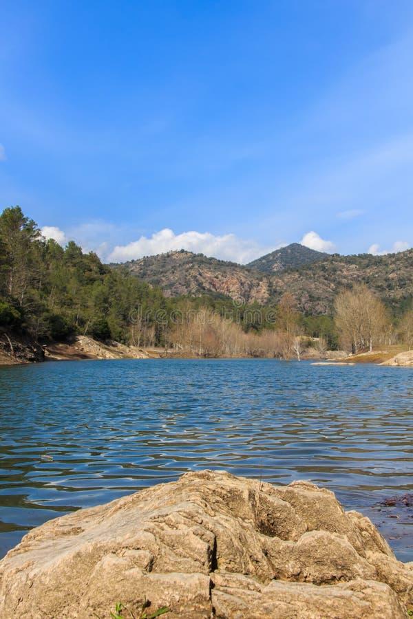 Великолепие большого озера перед мной стоковое изображение