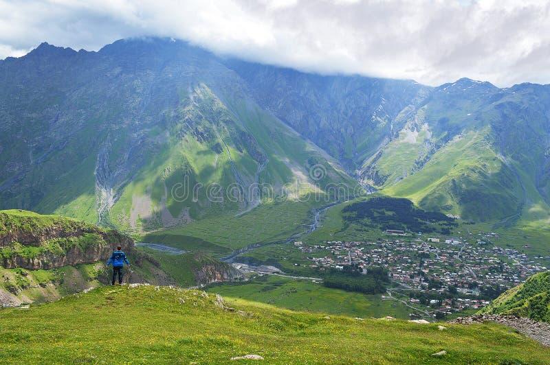 великолепие гор Кавказа стоковая фотография