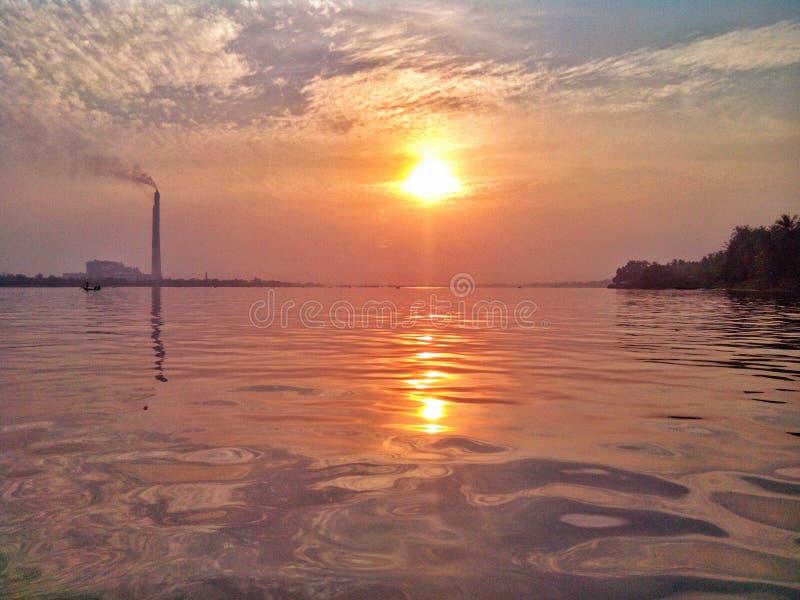 Великолепный заход солнца стоковые изображения rf