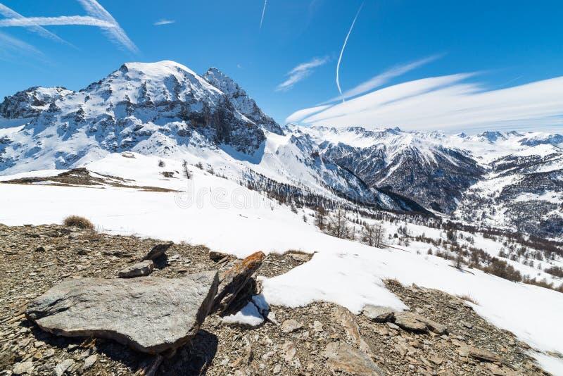 Величественные горные пики в Альпах стоковые фотографии rf