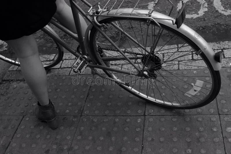 Велосипед в Лондоне стоковые фотографии rf