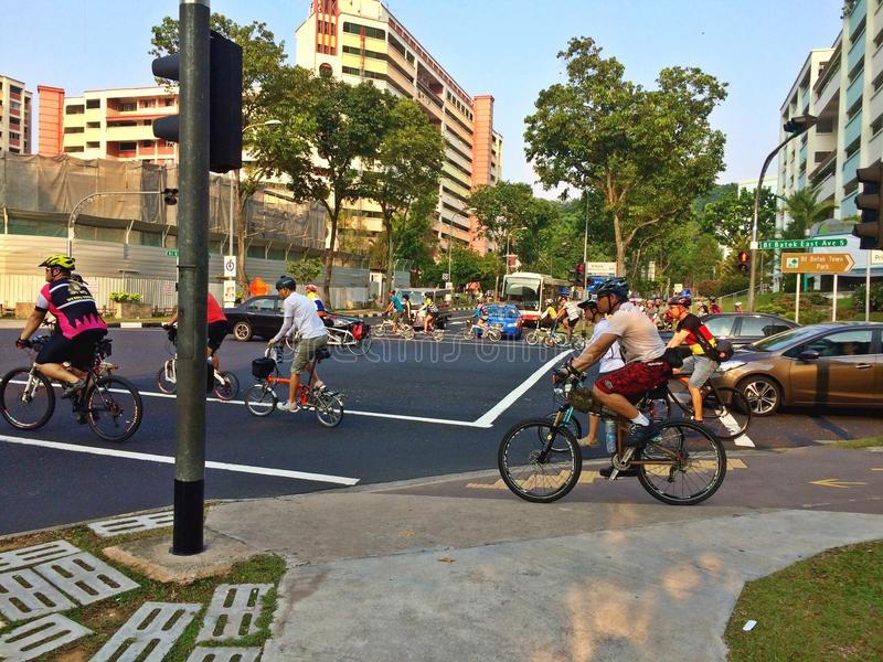 Велосипедисты в Сингапуре стоковая фотография