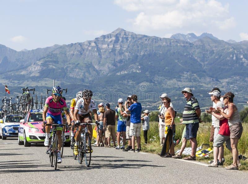 Велосипедисты Manuele Mori и Blel Kadri стоковые изображения
