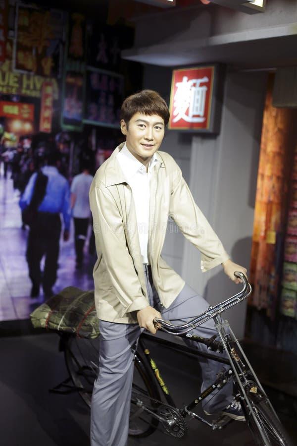 Велосипед катания lai Леона ming стоковые фотографии rf