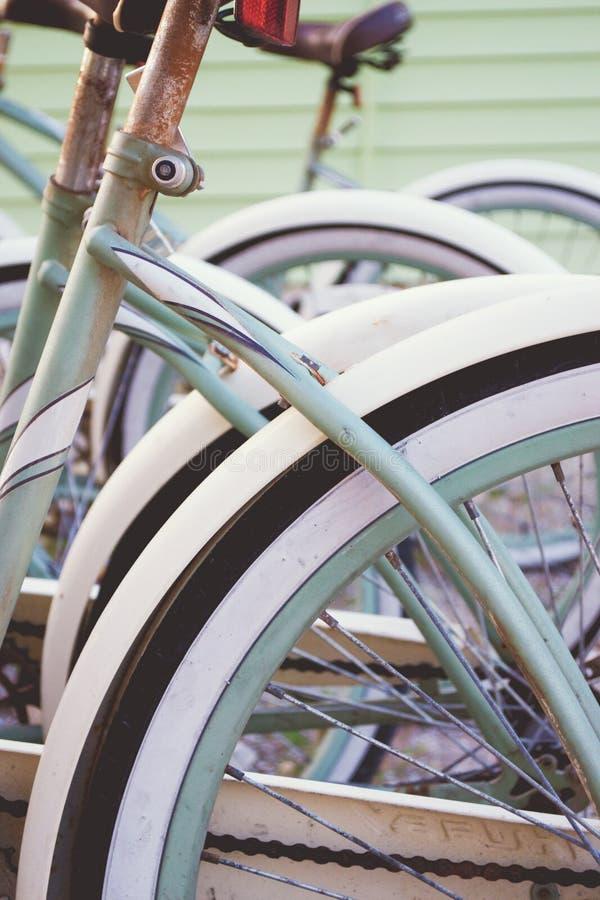 Велосипеды пляжа стоковые изображения rf