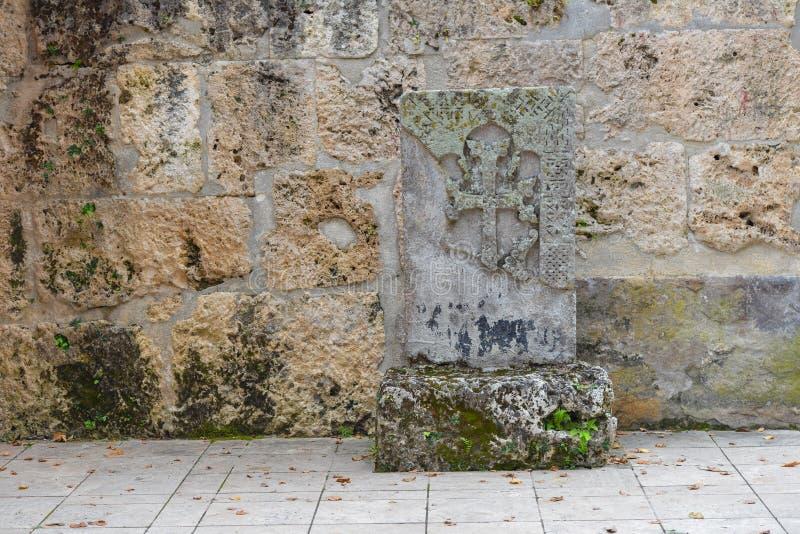 Взаимн камень, khachkar, на монастыре Haghartsin в Армении стоковая фотография