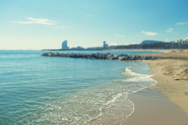Взаимн обрабатываемое фоновое изображение пляжа с малой глубиной  стоковая фотография rf
