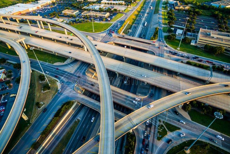 Взаимообмен, петли, и шоссе межгосударственные 35 и транспорт Остина Техаса платной дороги 45 стоковое фото