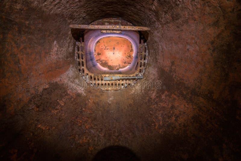 Взбираться к бункеру от 1 мировой войны стоковое фото