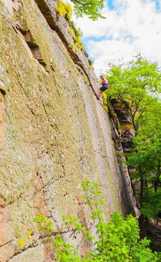 Взбираться Alpinists стоковое фото rf