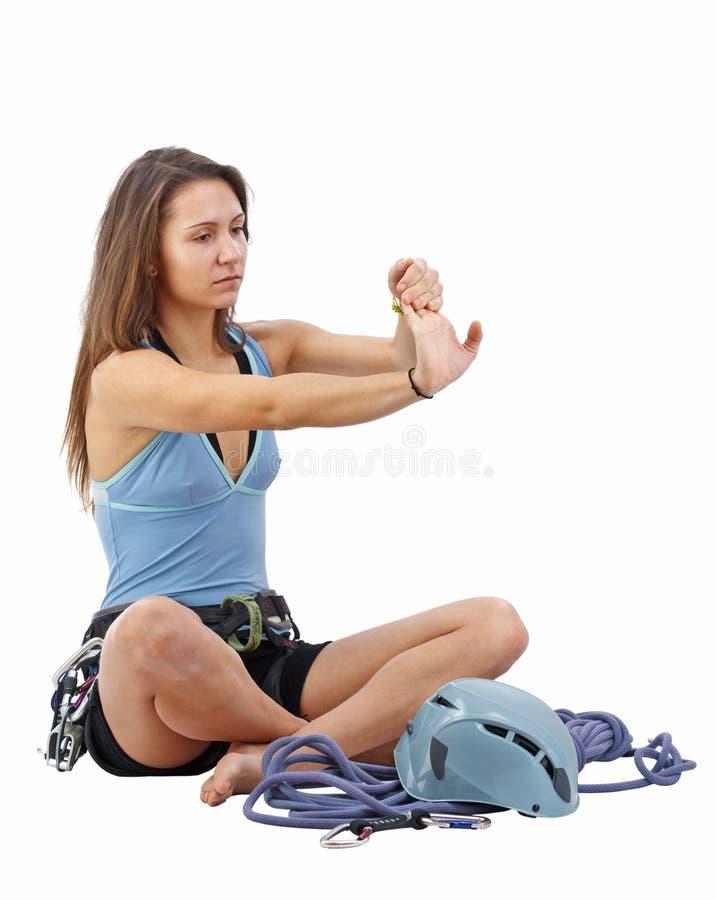 взбираясь женщина оборудования стоковое фото rf