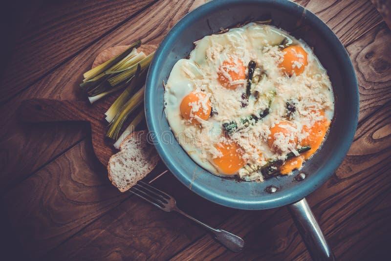 Download Взбитые яйца стоковое фото. изображение насчитывающей green - 37926466