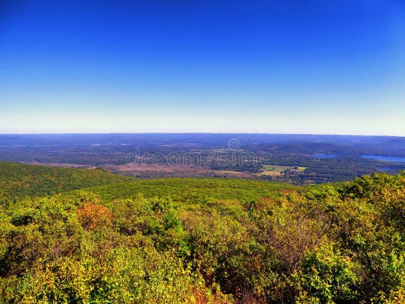 Взгляды от горы Коннектикута медведя стоковые изображения rf