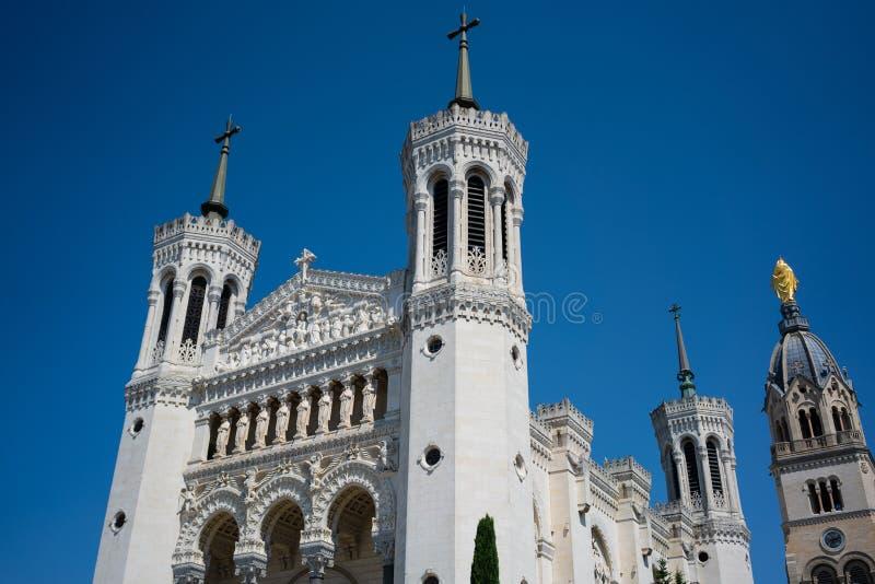 Взгляд базилики Нотр-Дам de Fourviere в Лионе Франции стоковая фотография rf