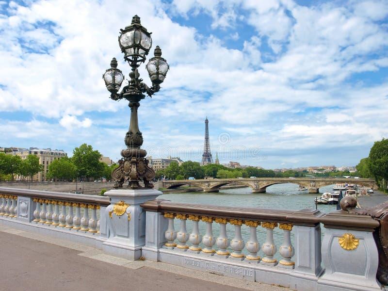 взгляд башни eiffel paris стоковое фото rf